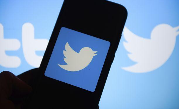 Twitter-bugi sai yksityiset tviitit näkymään kaikille.