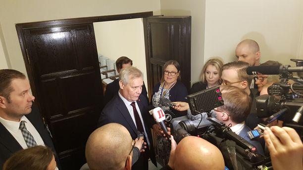 Hallitustunnustelija Antti Rinne aikoo julkistaa esityksensä hallituspohjaksi keskiviikkona puolenpäivän aikaan.