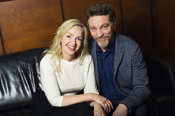 Sorjonen-hittisarjan näyttelijät Anu Sinisalo ja Ville Virtanen uusivat roolinsa myös tulevassa elokuvassa.