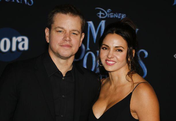 Matt Damon ja Luciana Barroso saapuvat usein yhdessä punaiselle matolle.