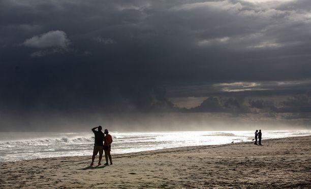 Florence-myrsky on ajanut yli miljoona ihmistä kodeistaan Yhdysvalloissa.