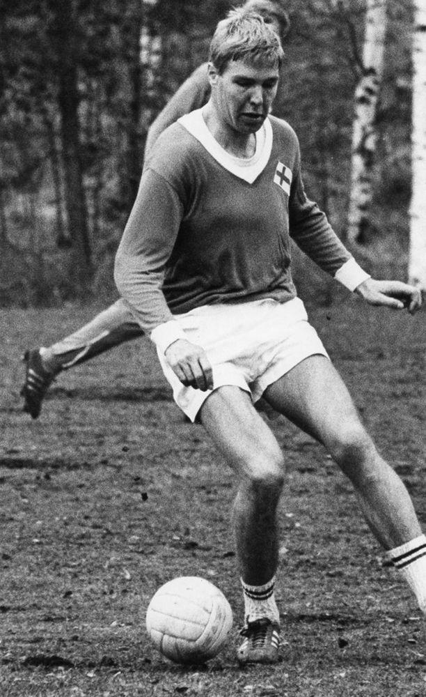 Kari Lehtolainen maajoukkueen leirillä Eerikkilässä vuonna 1969.