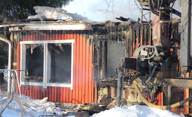 Yksi kuoli omakotitalon tulipalossa torstaina Tyrnävällä.