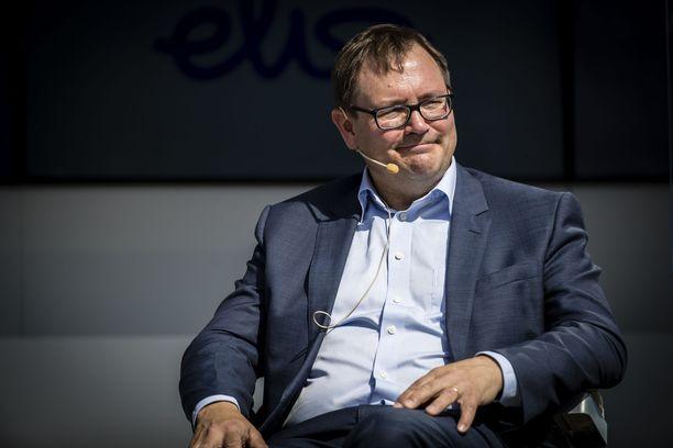 Elisaa ja EK:ta luotsaava Veli-Matti Mattila tienasi lähes kaksi miljoonaa euroa.