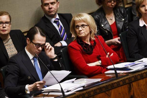 Perjantai oli surun päivä Kristillisdemokraateille ja sisäministeri Päivi Räsäselle.