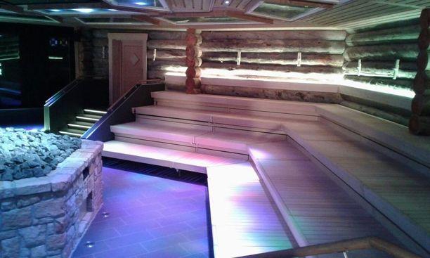 Tämän saunan lämmittämiseen vaaditaan melkoista tehoa.