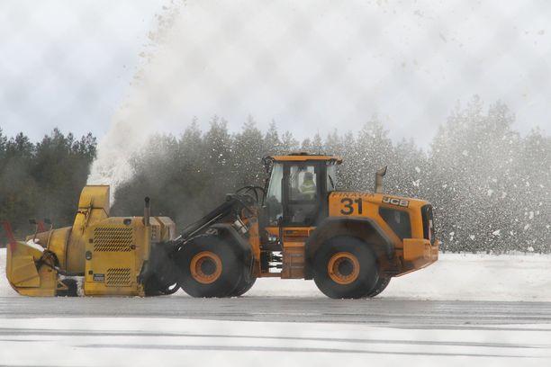 Tältä Oulun lentokentällä näytti torstaina aamupäivällä.
