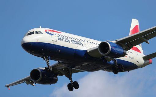 """Britannian ilmavoimat sulki Heathrown kentän,  siviilikoneet joutuivat odottamaan ilmassa -  """"meillä on vain 5 minuutiksi polttoainetta jäljellä"""""""