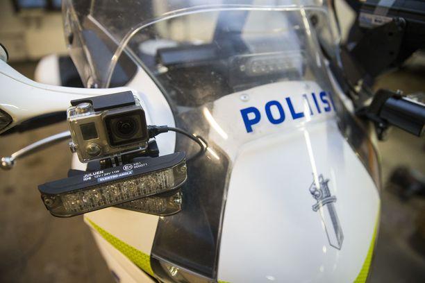 Poliisin haaviin jäi Turun seudulla useita ylinopeutta ajaneita moottoripyöräilijöitä. Kuvituskuva.