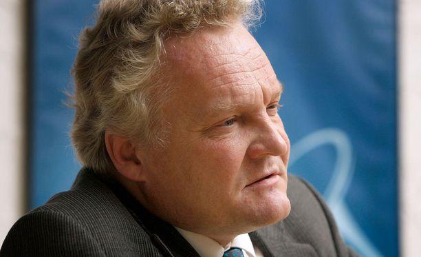 Apulaisoikeusasiamies Jussi Pajuoja kritisoi poliisin toimintaa ministerin rikosepäilyssä.
