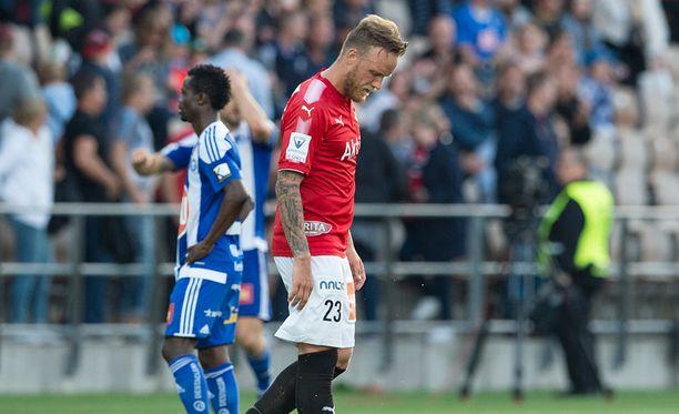 Mika Väyrysen HIFK joutuu karsimaan liigapaikastaan. HJK:n mestaruus varmistui jo aiemmin. Arkistokuva.