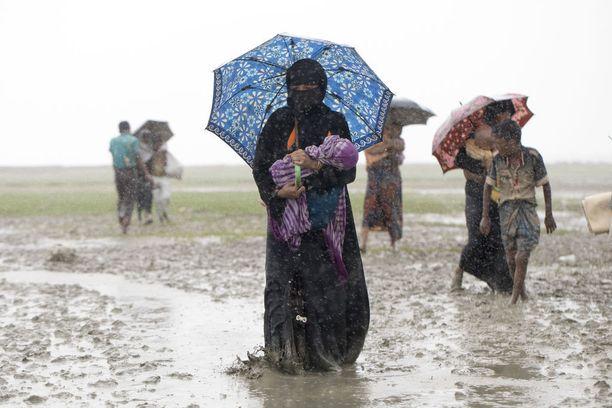 Suomestakin on lähtenyt SPR:n vapaaehtoisia avustustyöhön Bangladeshiin.