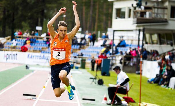 Kolmiloikkaaja Simo Lipsanen on Suomen suurimpia EM-mitalitoivoja elokuun alussa Berliinissä.
