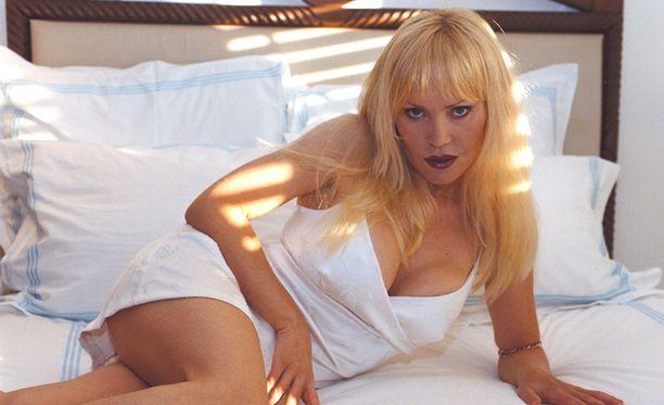 Tiina Virenius poseerasi Playboyssa vuonna 1981.