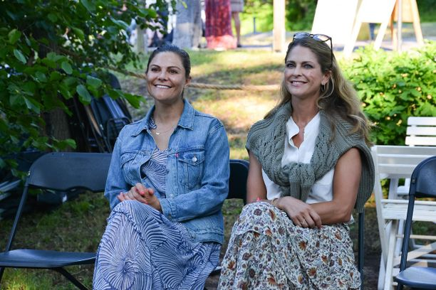 Siskokset kruununprinsessa Victoria ja prinsessa Madeleine edustivat yhdessä Sollidenissa.