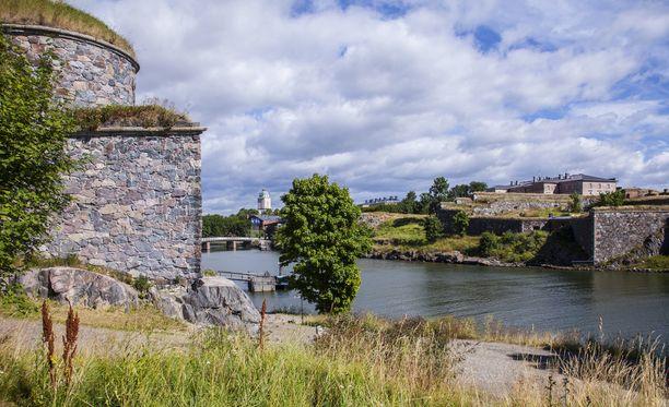 Unesco ylläpitää myös maailmanperintökohteiden listaa. Suomenlinna on yksi maailmanperintökohteista.