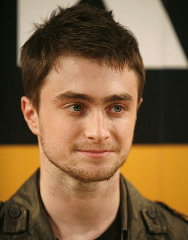 Daniel Radcliffen stuntmiehen pelätään halvaantuneen onnettomuudessa.
