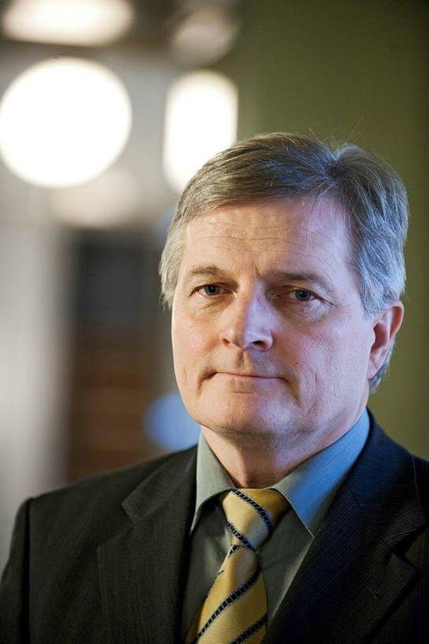 Johannes Koskisen (sd) johtama perustuslakivaliokunta torppasi yksimielisesti sote-uudistuksen.
