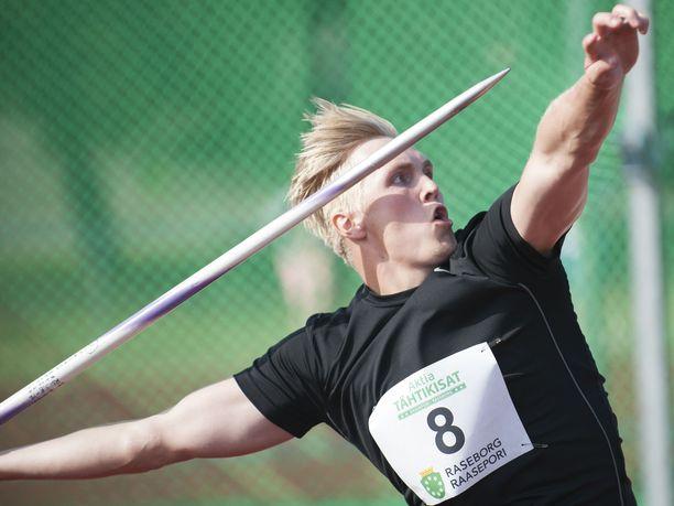 Toni Kuuselalta voi ensi kaudella odottaa päälle 80 metrin heittoja.