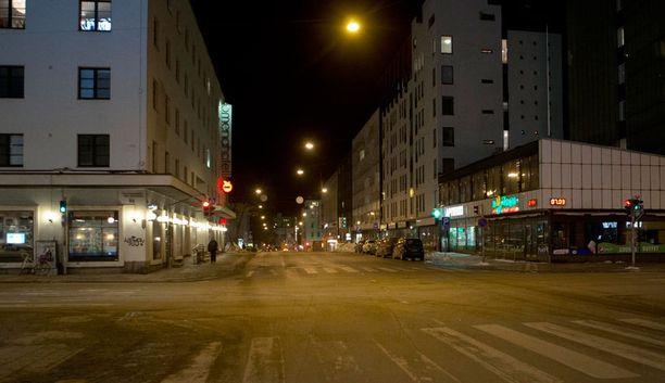 Hiippari tunkeutui useisiin Turun keskustassa sijaitseviin asuntoihin.