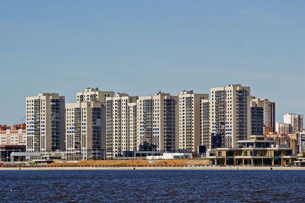 YIT:n juuri valmistunut aluerakennuskohde Kazanissa. Hienolla paikalla lähellä tulevien jalkapallon MM-kisojen areenaa sijaitsevassa kohteessa on yhteensä noin 1 500 asuntoa.