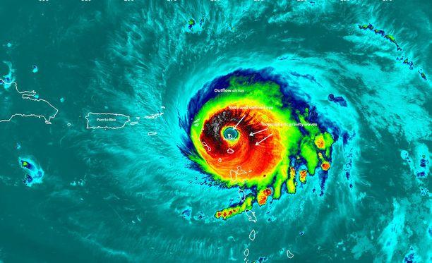Irma näkyi hurjana satelliittikuvissa lähestyessään eilen Puerto Ricoa.