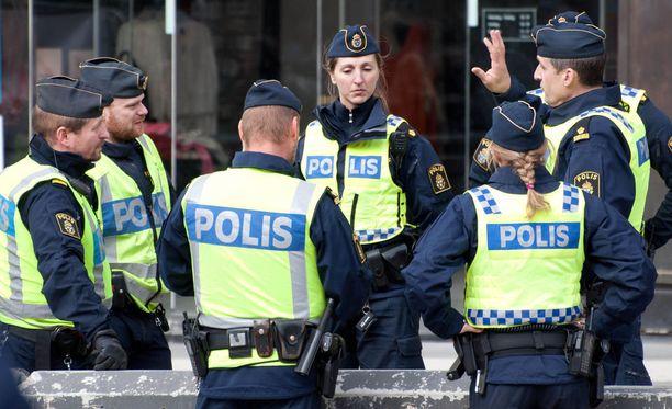 Salaisten asiamiesten nimiä on saattanut paljastua, kun Ruotsi ulkoisti ajoneuvohallinnon tietotekniikkapalvelut. Kuvituskuva