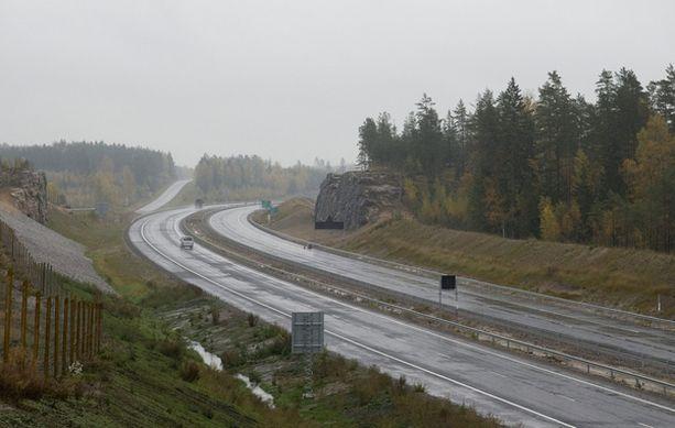 Kokonaisuudessaan uusi moottoritie avataan muutaman viikon kuluttua