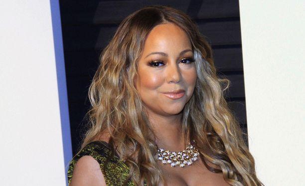 Mariah Carey paljasti nyt kärsineensä vuosia kaksisuuntaisesta mielialahäiriöstä.