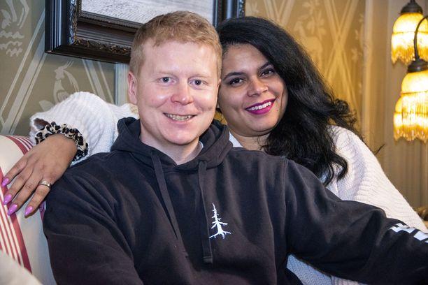 Sampon ja Mintun perheeseen kuuluu neljä lasta, joista yksi on pariskunnan yhteinen.