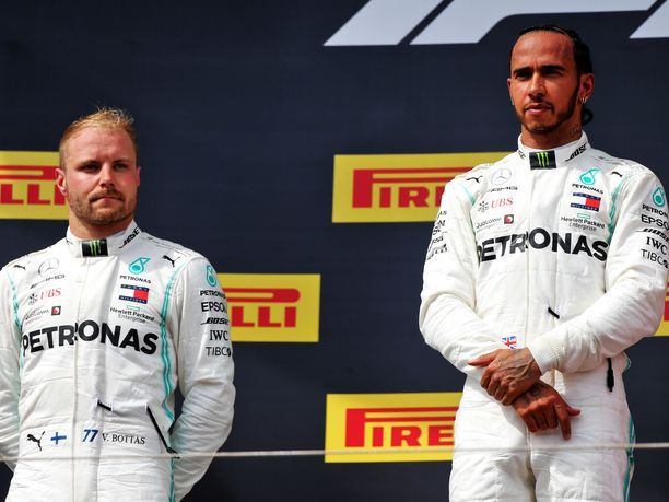 Valtteri Bottas on jäänyt viime kilpailuissa Lewis Hamiltonin varjoon.