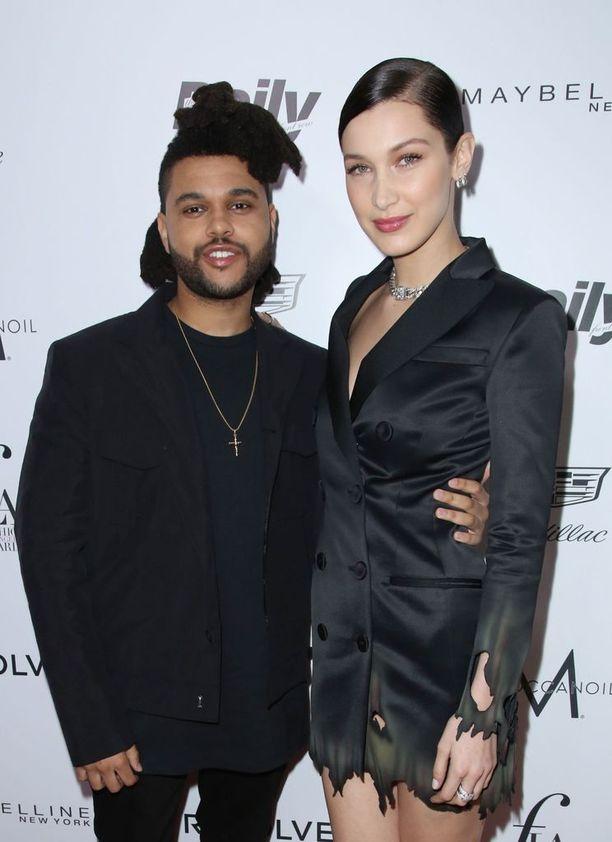 The Weeknd ja Bella Hadid seurustelivat melkein kaksi vuotta. Molemmat ovat kertoneet olevansa edelleen ystäviä ja hyvissä väleissä.