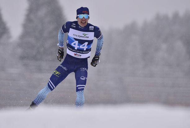 Iivo Niskanen sivakoi kuvassa Nove Mestossa tammikuussa 2020.