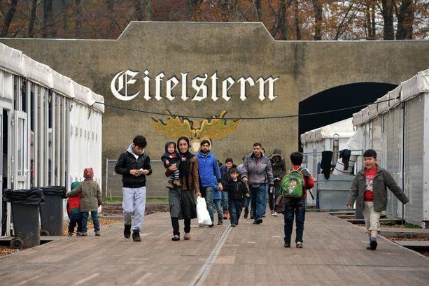 Turvapaikanhakijoita asuu lentokentälle perustetussa vastaanottokeskuksessa Saksan Bitburgissa.