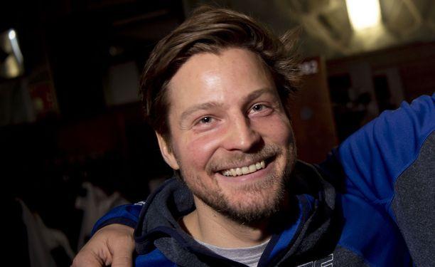 Hiihtovalmentaja Ville Oksasella on koronatartunta.
