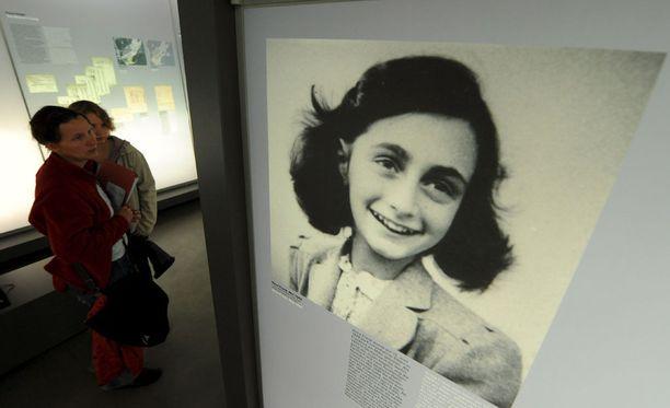 Anne Frank kuoli natsien keskitysleirillä toisen maailmansodan aikana. Hän on yksi tunnetuimmista holokaustin uhreista.