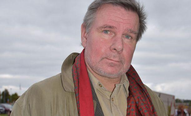 Kirjailija Hannu Raittila on huomannut, että Finlandia-ehdokkuus tuo kirjoille enemmän huomiota.