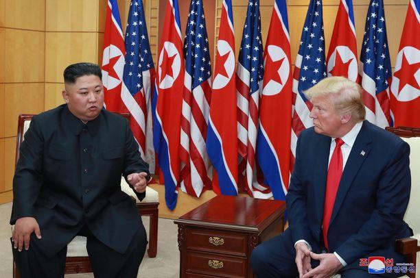 Kim ja Trump tapasivat Vietnamissa heinäkuussa 2019, mutta neuvottelut päättyivät tuloksettomina Trumpin ulosmarssiin.