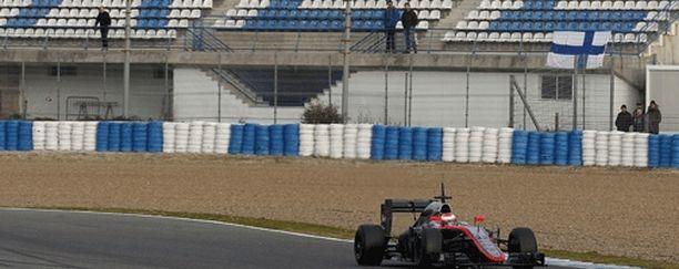 Aamupäivällä McLarenin Jenson Button sai ajella kuivissa olosuhteissa.
