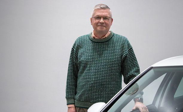 Jorma Turunen ajoi testin aikana täyssähköisellä e-Golfilla.