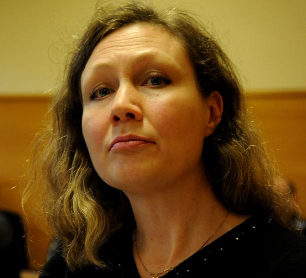 """Anneli Auer kertoi oikeudessa kohdanneensa """"Sepon"""" lenkkipolulla."""