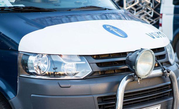 Helsinkiläismiehen mukaan viranomaiset käyttäytyivät epäasiallisesti viime lokakuussa.