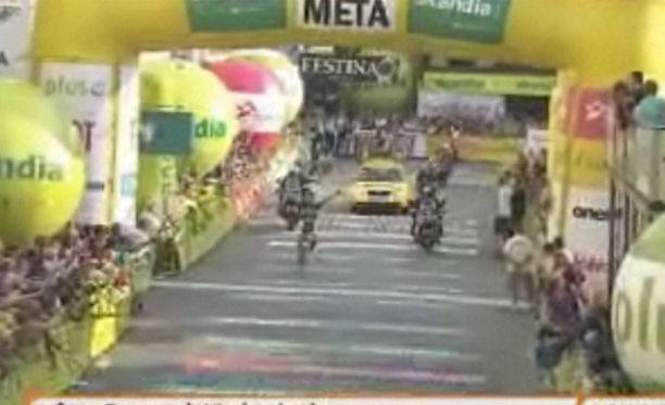 Marco Marcato luuli voittaneensa etapin, vaikka sitä oli vielä 6,8 kilometriä jäljellä.