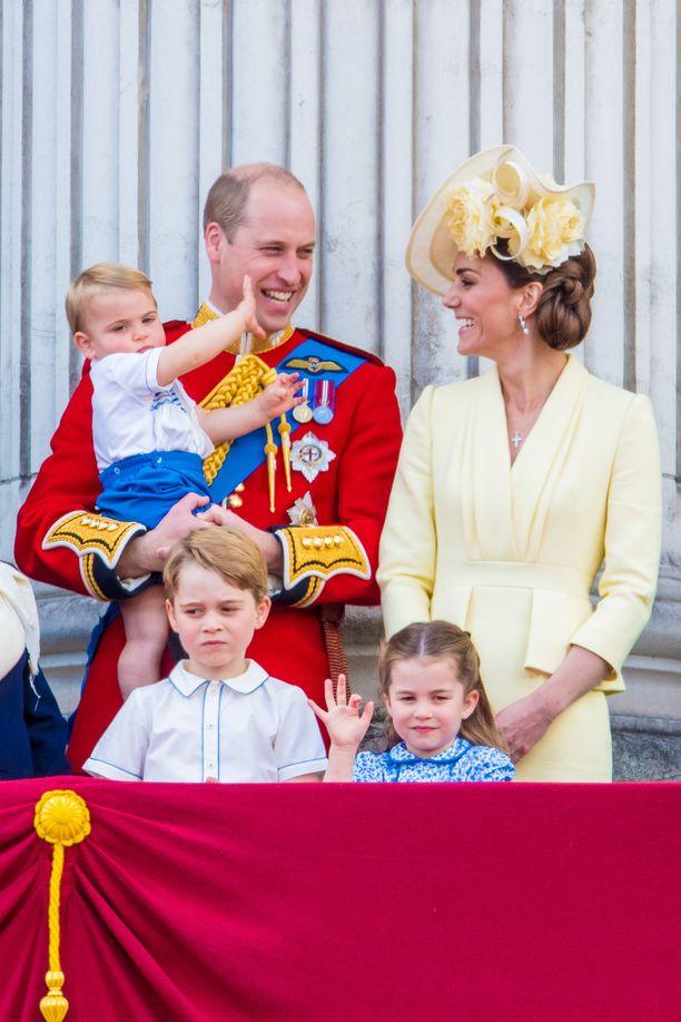 Prinssi William ja herttuatar Catherine veivät lapsensa lomalle Mustiquen yksityissaarelle.