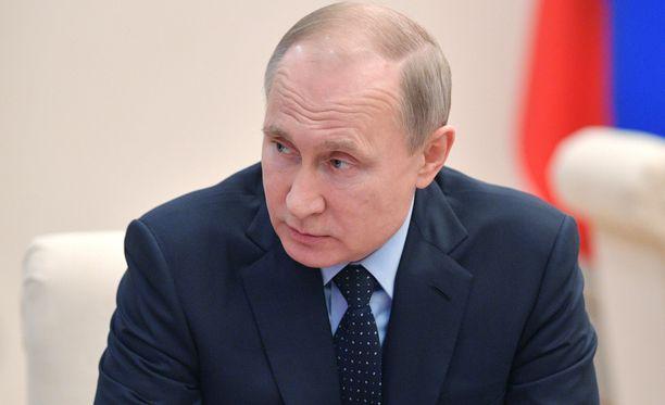 Vladimir Putinin johtama Venäjä vastaa diplomaattikarkotuksiin.