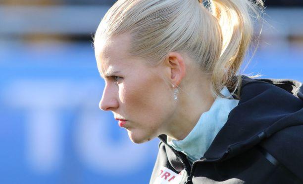 Kristiina Mäkelä jäi finaalissa 23 senttiä karsintatuloksesta.