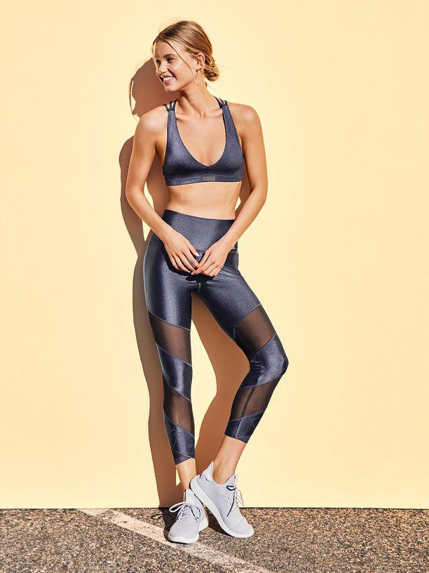 Lotta on poseerannut myös Victoria's Secret PINK:n sporttisissa kuvissa.