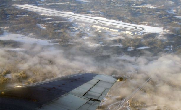 Landvetterin kiitorata ilmasta kuvattuna.