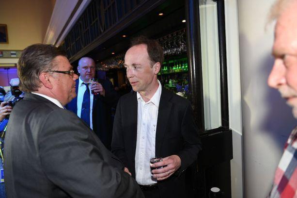 Timo Soini joutunee jättämään ulkoministerinpestinsä, jos Jussi Halla-aho valitaan perussuomalaisten puheenjohtajaksi. Halla-aho ei tosin tähtää itsekään ministeriksi.
