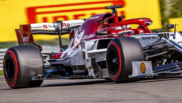 Kimi Räikkönen teki parhaan aikansa aika-ajon kakkosvaiheessa.